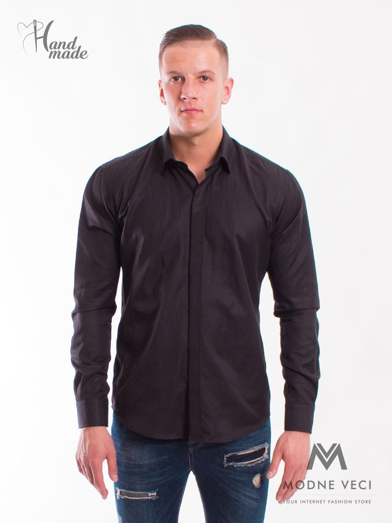Luxusná pánska čierna košeľa. Vhodná na spoločenské udalosti ale aj pracovné stretnutia.