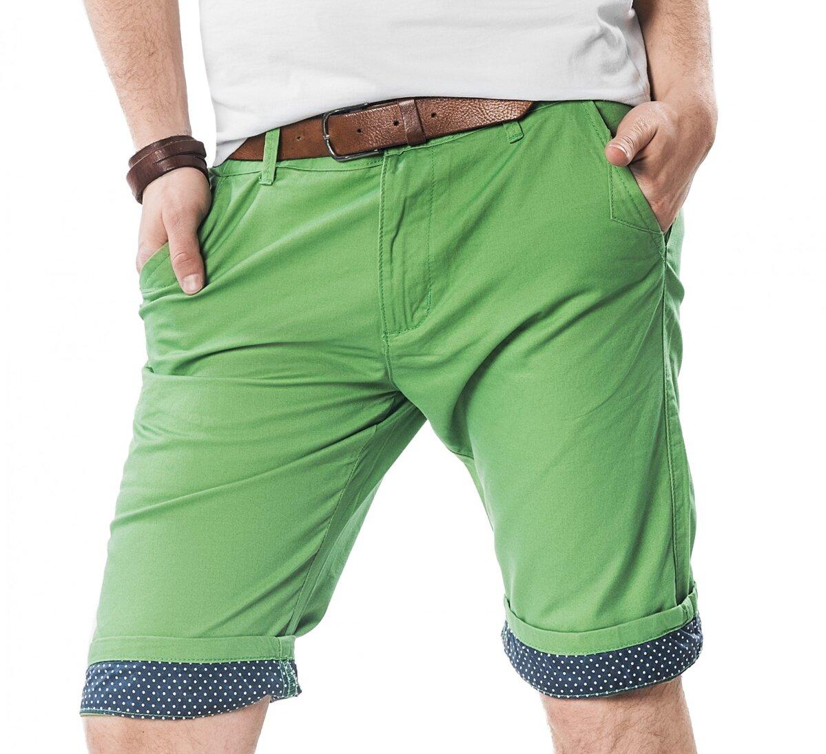 688c125fa2e27 Moderné krátke pánske nohavice SKR- 01 zelené| ModneVeci.sk