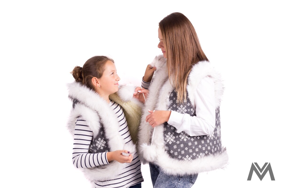 1b6dc5553 Krásny set pre mamu a dcéru vesty- 01 sivá vzor| modneveci.sk