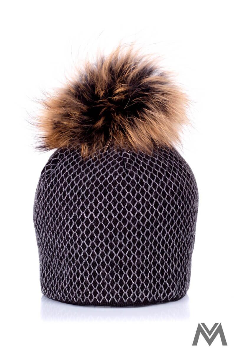 f323bdd9d Dámska čiapka s brmbolcom z pravej kožušiny Meggi- čierna | ModneVeci.sk
