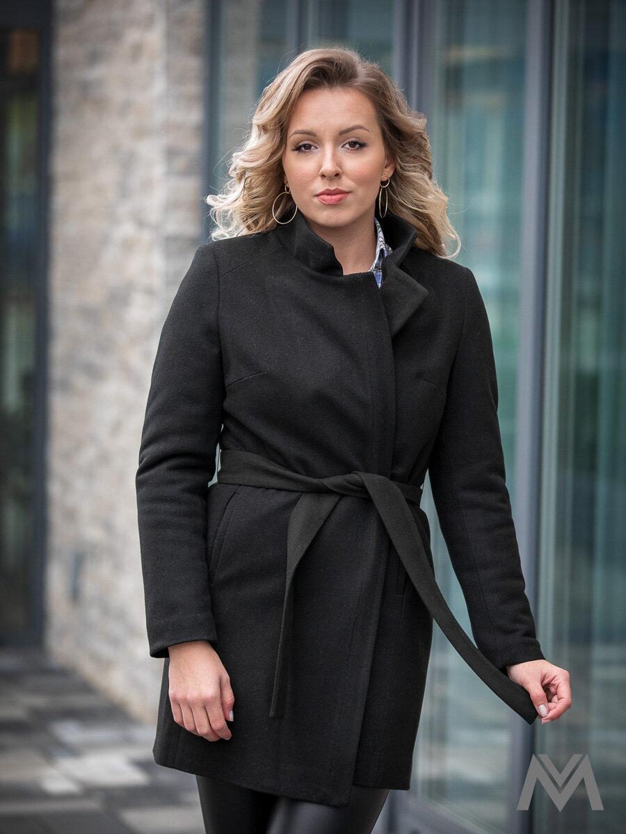 d135221b1f51 Trendový dámsky kabát SARA čierny