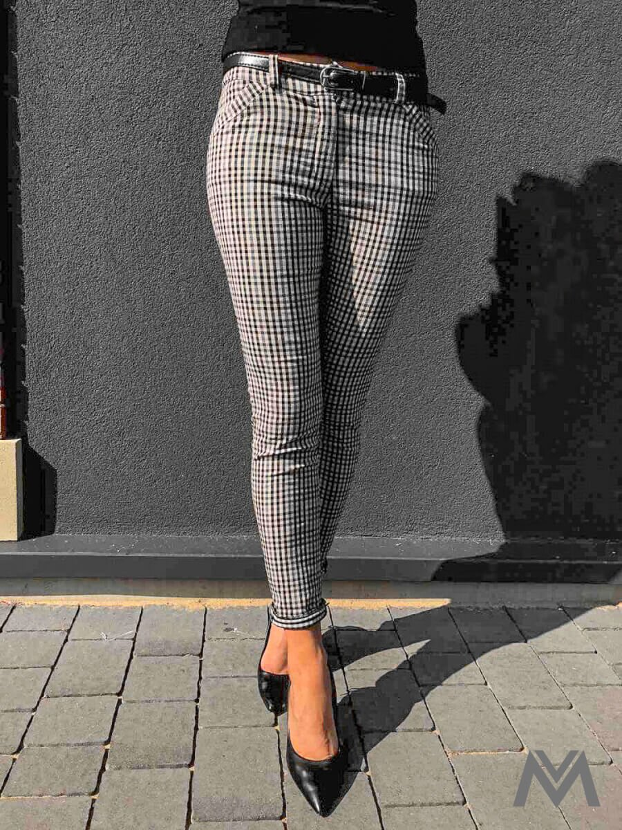 969872a1d2cf Elegantné dámske karované nohavice čierno béžové