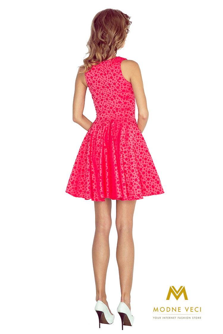 8a423dd69a72 Slávnostné elegantné šaty v áčkovom strihu 125-13 malinové ...