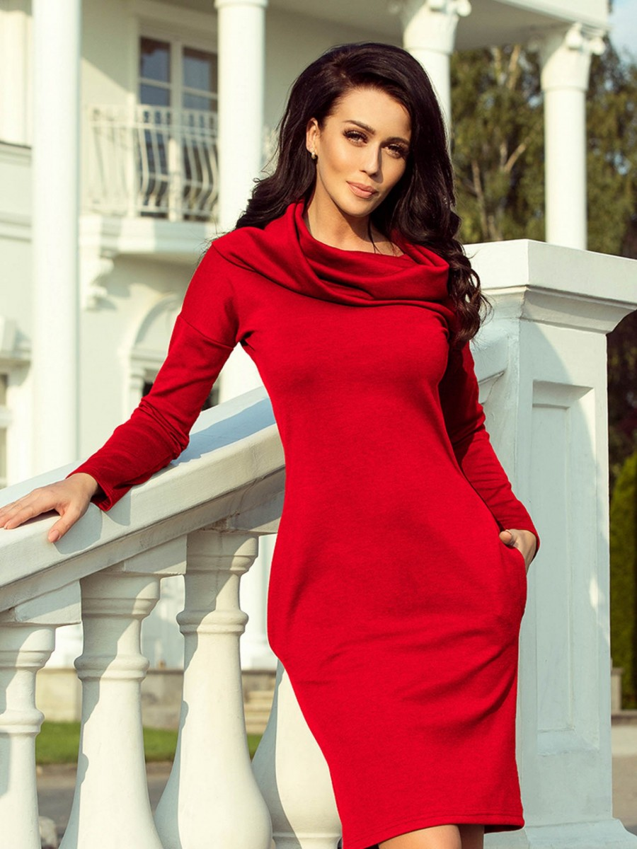 a0d9404459 Dámske šaty s mohutným golierom 131-9 krvavo-červená