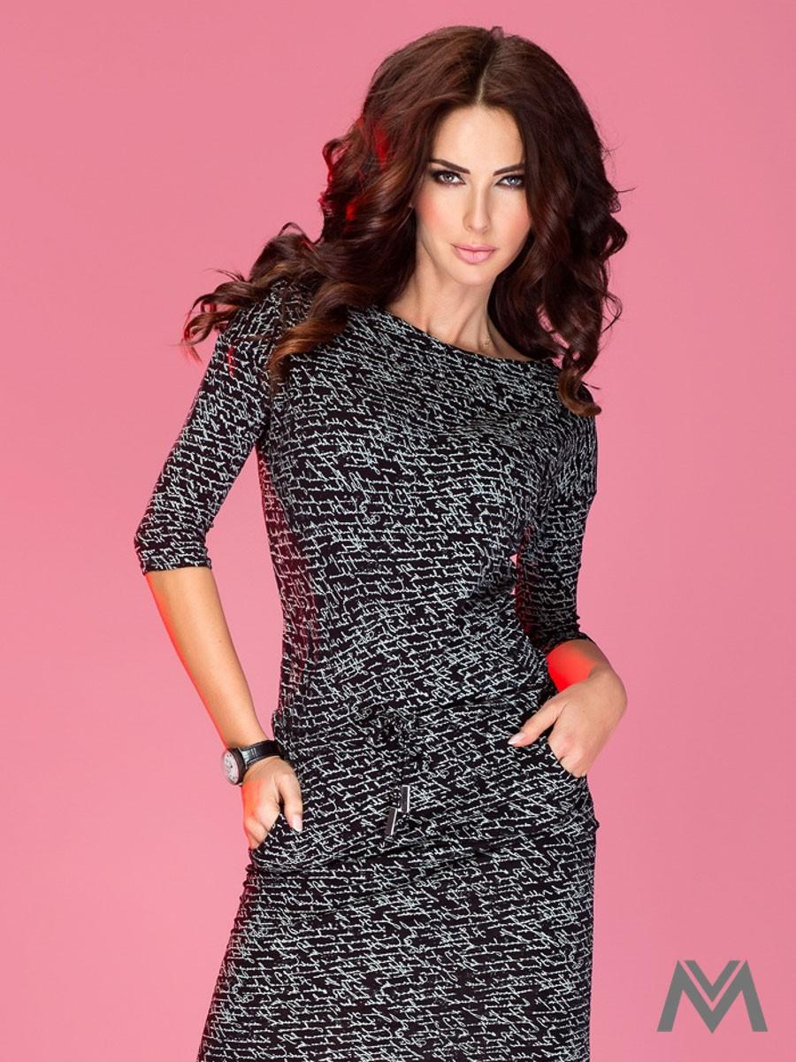 Športovo-elegantné šaty s lodičkovým výstrihom 13-9 čierne ... be1d65c919