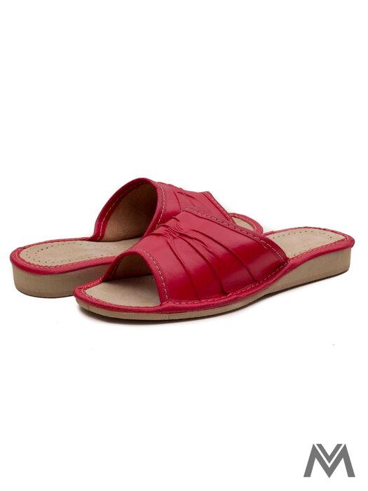 0d0a3ec4cf08 Dámske kožené papuče model 1 červené
